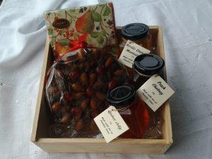 Paradise Cakes Christmas Gift Box